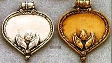 East Indian Metal Charm/Drop, Heart with leaves decoration, 40mm, raw brass, (4 pieces)