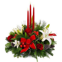 TRIPLE CANDLE HOLIDAY CENTERPIECE