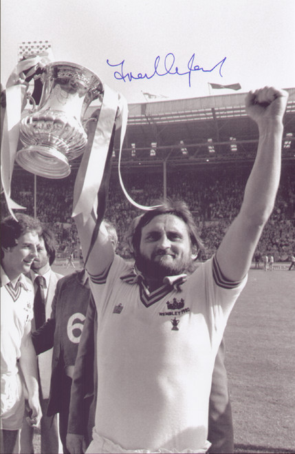 West Ham United's Frank Lampard celebrates winning the 1980 FA Cup, a 1-0 victory against Arsenal.  The photograph was signed by Frank Lampard at a commercial signing session held January 2010.