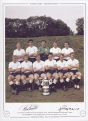 FA Cup winners Tottenham Hotspur pose with the Cup in 1962. Goals from Jimmy Greaves, Bobby Smith & captain Danny Blanchflower secured Tottenham's 4th FA Cup title, after victories in 1901,1921 & 1961.