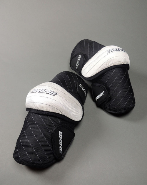 Brine Senior Esquire Arm Guards - Black / White