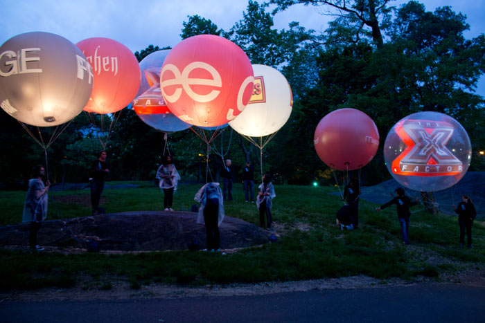 giant-balloons-advertising.jpg
