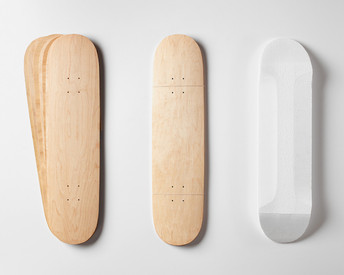 Includes two sets of Street Deck-shaped maple veneer 7-layer sets, plus a matching shaped foam mold.