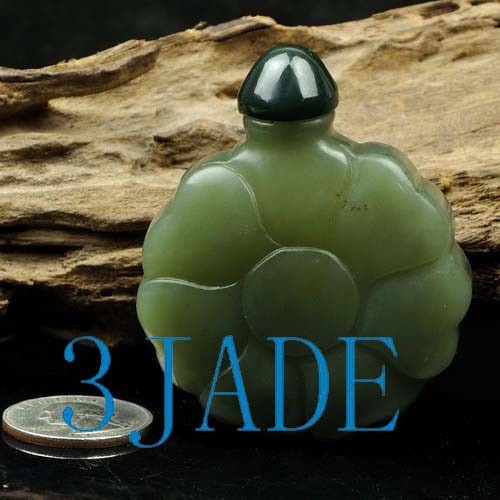 Hetian nephrite jade snuff bottle