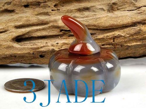 Chalcedony / Carnelian snuff bottle