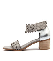 DONNA Heeled Sandals in Misty/ Silver Leather