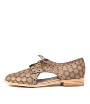 ALPS Lace-up Flats in Donkey Leather
