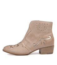 LUCILLES Ankle Boots in Nude Leather