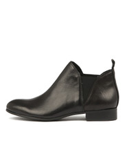 FOE Ankle Boots in Black Leather