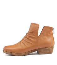 ROSTIE Ankle Boots in Dark Tan Leather