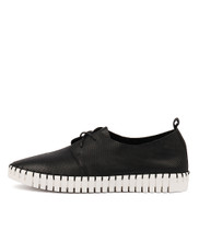 HALBERT Lace-up Sneakers in Black Leather