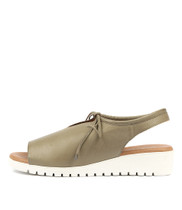 MONIQUE Flatform Sandals in Khaki Leather