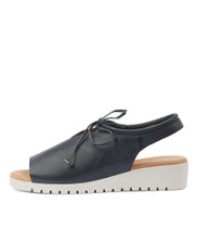 MONIQUE Flatform Sandals in Navy Leather