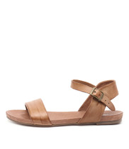 JINNIT Flat Sandals in Tan Leather