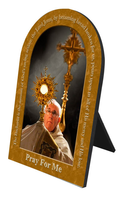 Pope Francis with Monstrance with Quote Arched Desk Plaque