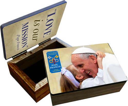 Pope Francis embracing Child Commemorative Visit Keepsake Box