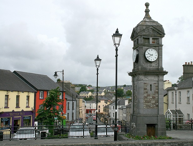 The town of Boyle in Roscommon (photo by Amrei-Marie - selbst fotografiert von Amrei-Marie, CC BY-SA 3.0 de, https://commons.wikimedia.org/w/index.php?curid=6273518)
