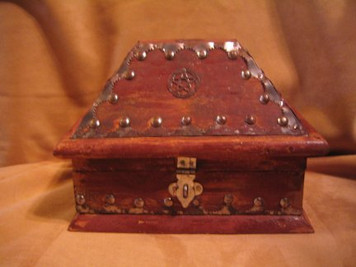 Box-Salem Pentacle Chest
