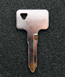 2005 Suzuki Boulevard M95 Motorcycle Key