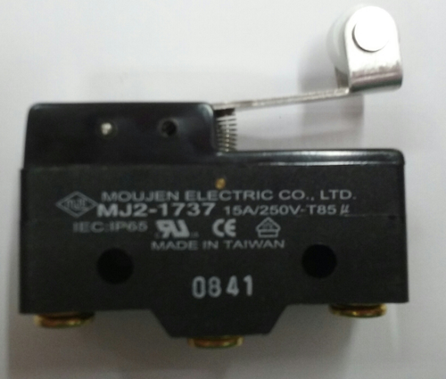 MJ2-1737, Moujen micro switch, normally open and normally closed, 15 amps, teflon roller lever, screw terminals, Eaton E47BMS30