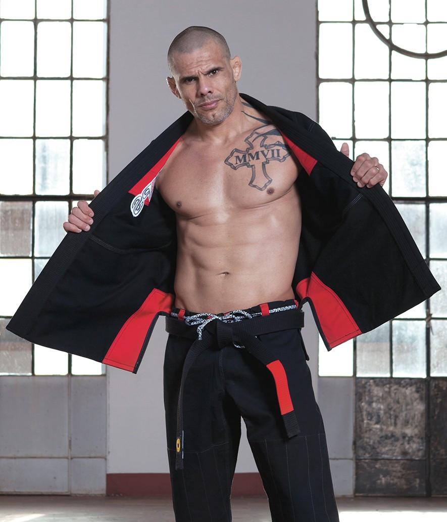 Grips Primero 3.0 Black inside of the jacket red inner lining at www.thejiujitsushop.com The Jiu Jitsu Shop for all your jiu jitsu needs.