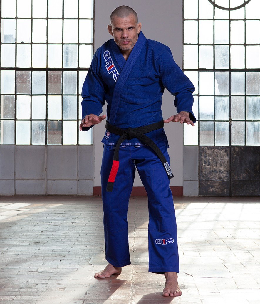 Grips Primero 3.0 Blue gi front of Gi at www.thejiujitsushop.com The Jiu Jitsu Shop for all your jiu jitsu needs. Action pose