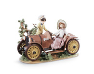 LLADRO YOUNG COUPLE WITH CAR (01001393 / 1393)