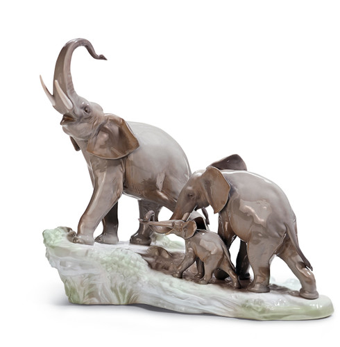 LLADRO ELEPHANTS WALKING (01001150 / 1150)