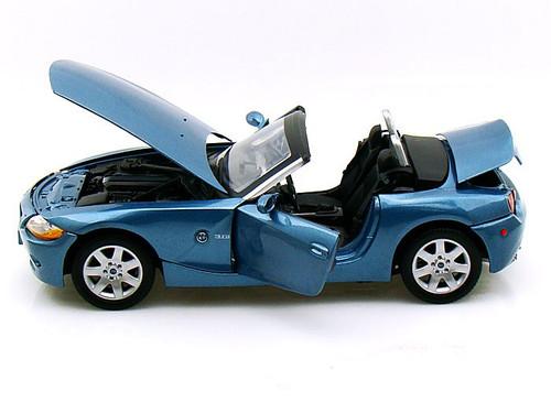 BMW Z4 Blue 1/18 Scale Diecast Car Model BY Motor Max 73144