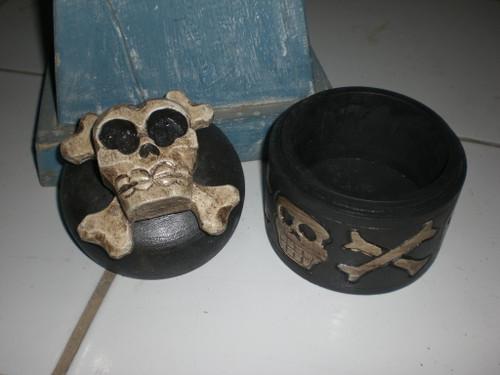"""Crossbones Keepsake Box 6"""" - Skull Decor"""