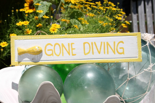 """GONE DIVING"" NAUTICAL SIGN 12"" YELLOW - BEACH DECOR"