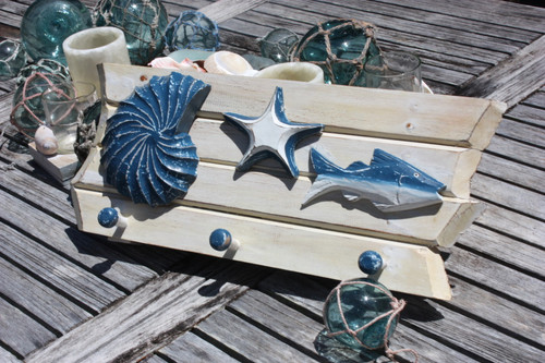 """SEASHELL, FISH & STARFISH"" HANGER 20"" - WHITE COASTAL"