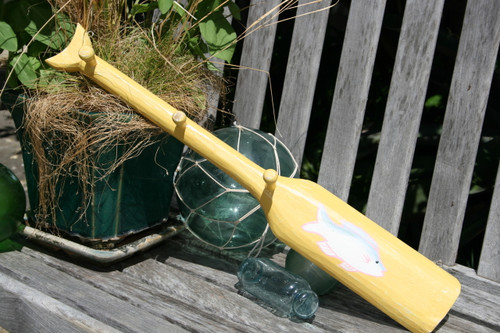 """NAUTICAL OAR HANGER W/ FISH 22"""" YELLOW - NAUTICAL WALL DECOR"""