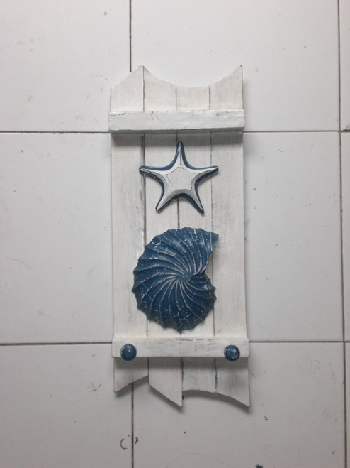 """SEASHELL & STARFISH"" HANGER 20"" - COASTAL WHITE"