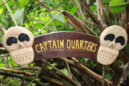"""CAPTAIN QUARTERS"" SKULL SIGN 24"" - SKULL & CROSSBONES DECOR"