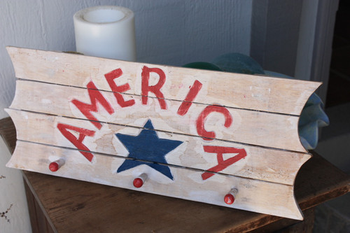 "Wooden Sign/Hanger ""America"" on Planks 20"" - 3 Pegs"