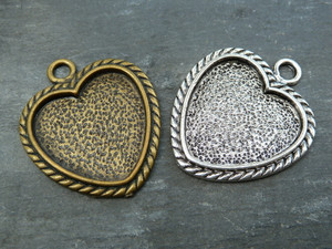 Vintage Style Heart Pendant Trays 25mm