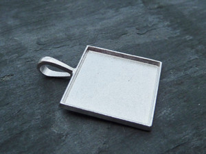 Savvy Crafter Square Pendant Trays 23.5mm