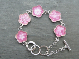Daisy Link Bracelet with Epoxy Stickers