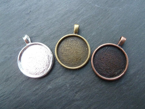 18mm Round Pendant Trays
