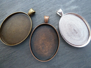 Oval Pendant Trays 30x40mm