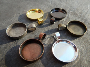 Round Pendant Trays 15mm