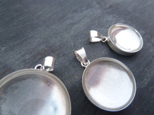 Sterling Silver Pendant Trays - Round 25mm