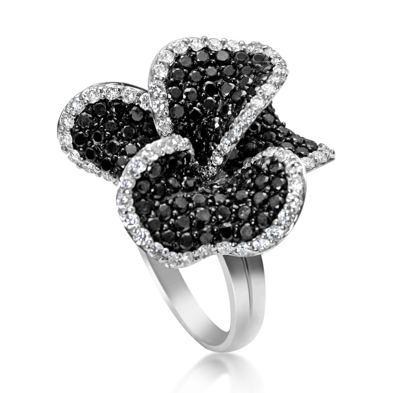 Black Flower Bow With Diamond: 18k White Gold 5.3ct Black Diamond Flower Ring