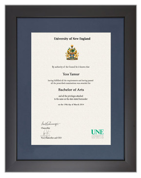 Degree Certificate Frame for UNE