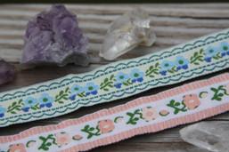 Dandelion Breeze Vintage Ribbon Choker
