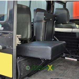 Defender Rear Inward Facing Seat Black Vinyl X2 - DA4067