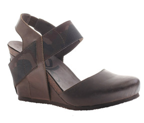 OTBT Rexburg- Women's Wedge with contrast elastic band- Mint (brown color with camouflage elastic)