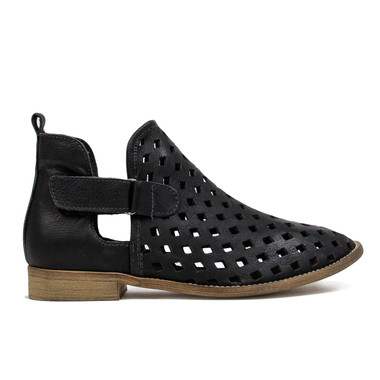 """Side View: Women's Shoes, Women's Bootie, Perforated leather, 1/2"""" heel, Musse & Cloud, Color: Black"""