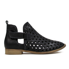 "Side View: Women's Shoes, Women's Bootie, Perforated leather, 1/2"" heel, Musse & Cloud, Color: Black"